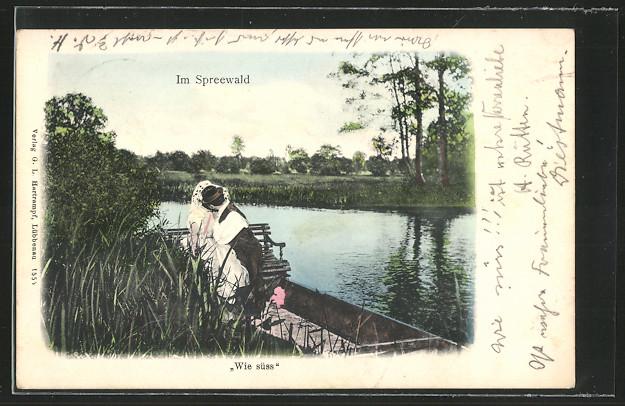 AK Spreewald, Wie süß, Paar in Spreewälder Tracht küss