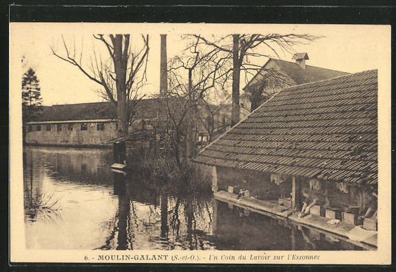 CPA-Moulin-Galant-Un-Coin-du-Lavoir-sur-l-Essonnes