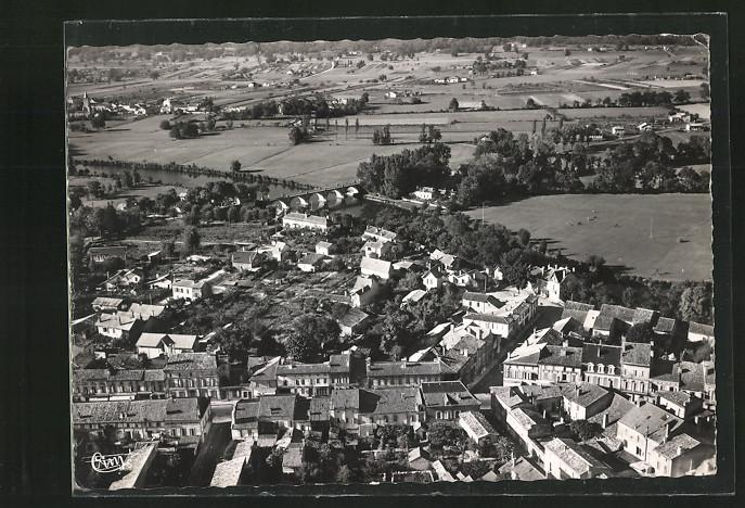 CPA-Montpon-Vue-generale-aerienne-et-Plaine-de-Menesterol-1955
