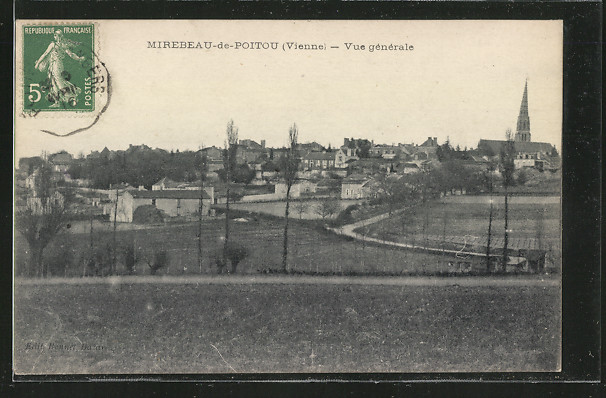CPA-Mirebeau-de-Poitou-Vue-generale