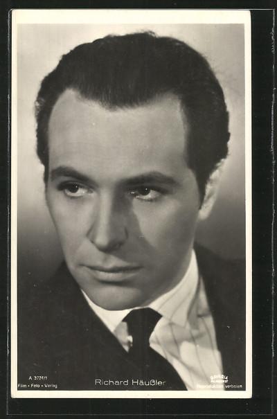AK-Schauspieler-Richard-Haeussler-Portrait-in-schwarzem-Anzug-mit-Krawatte