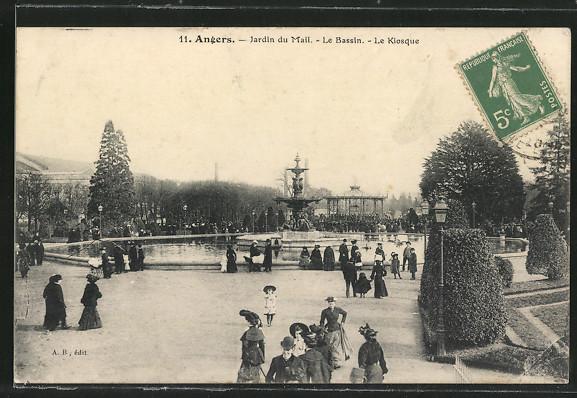CPA-Angers-Jardin-du-Mail-Le-Bassin-Le-Kiosque