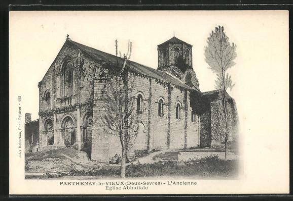 splendide-CPA-Parthenay-l-ancienne-Eglise-Abbatiale
