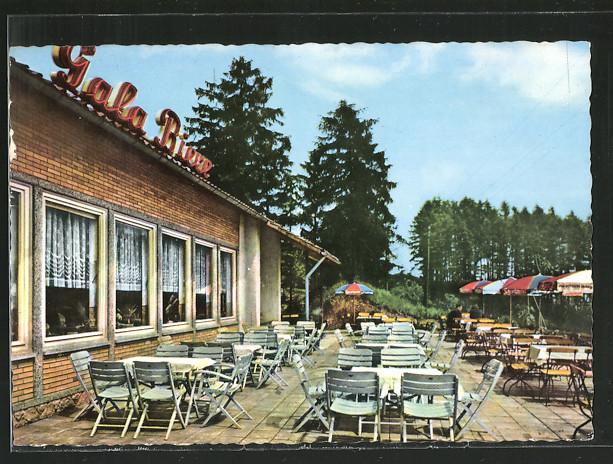 tolle-AK-Nette-Terrasse-des-Hotel-am-Weinberg-1966