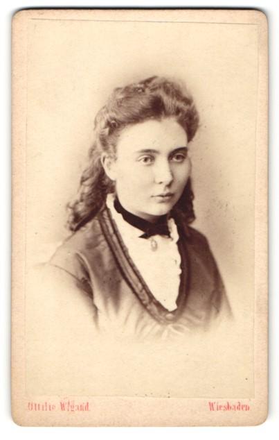 Fotografie Ottilie Wigand, Wiesbaden, Portrait junge Dame ...